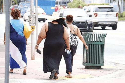 nadwaga i otyłość to problem XXIw. a w zwalczaniu problemu pomagają kapsułki Fastburnix